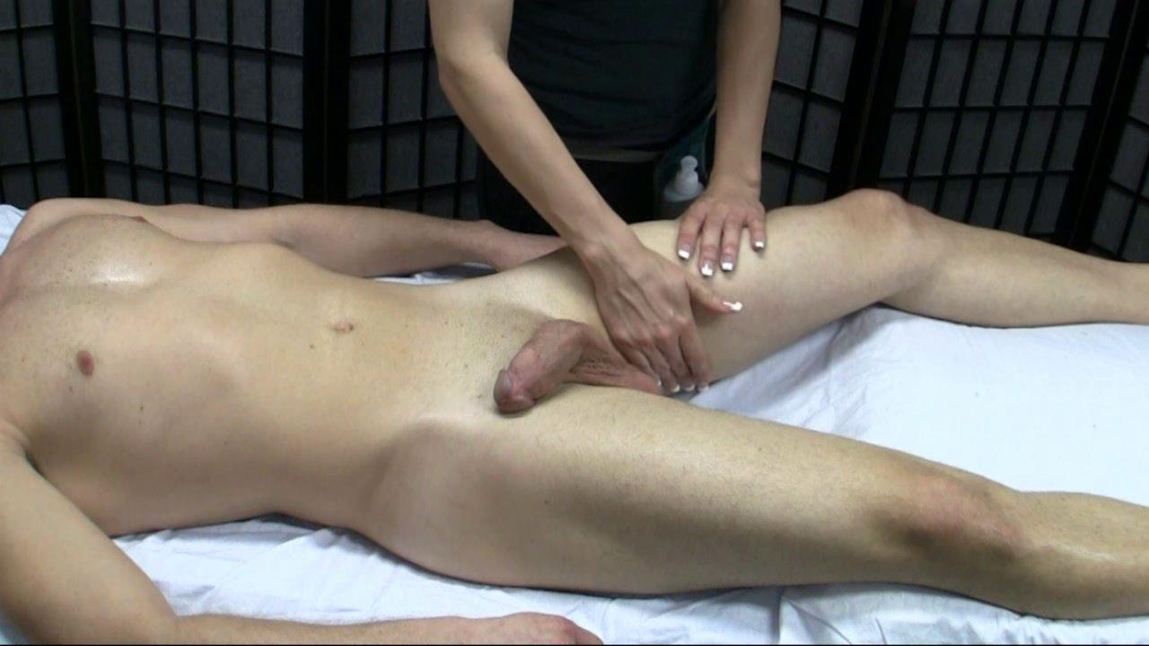 Как делать массаж члена чтобы встал во время секса — 6