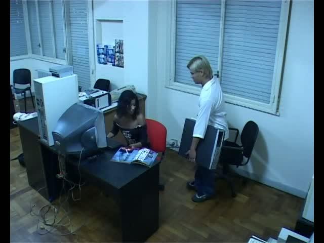 скрытая камера отсоса секретарш
