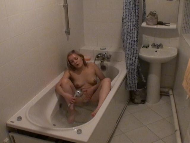 круглешок реальное видео ванная скрытая камера мастурбация вас интересует