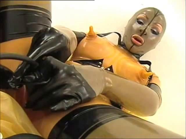 Смотреть порно онлайн в резиновых костюмах — pic 1